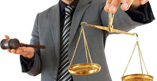 выбрать адвоката